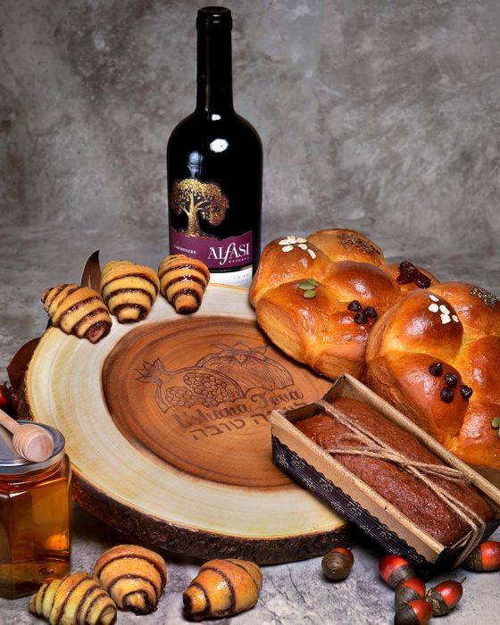 Wine_Challah_Board_Main